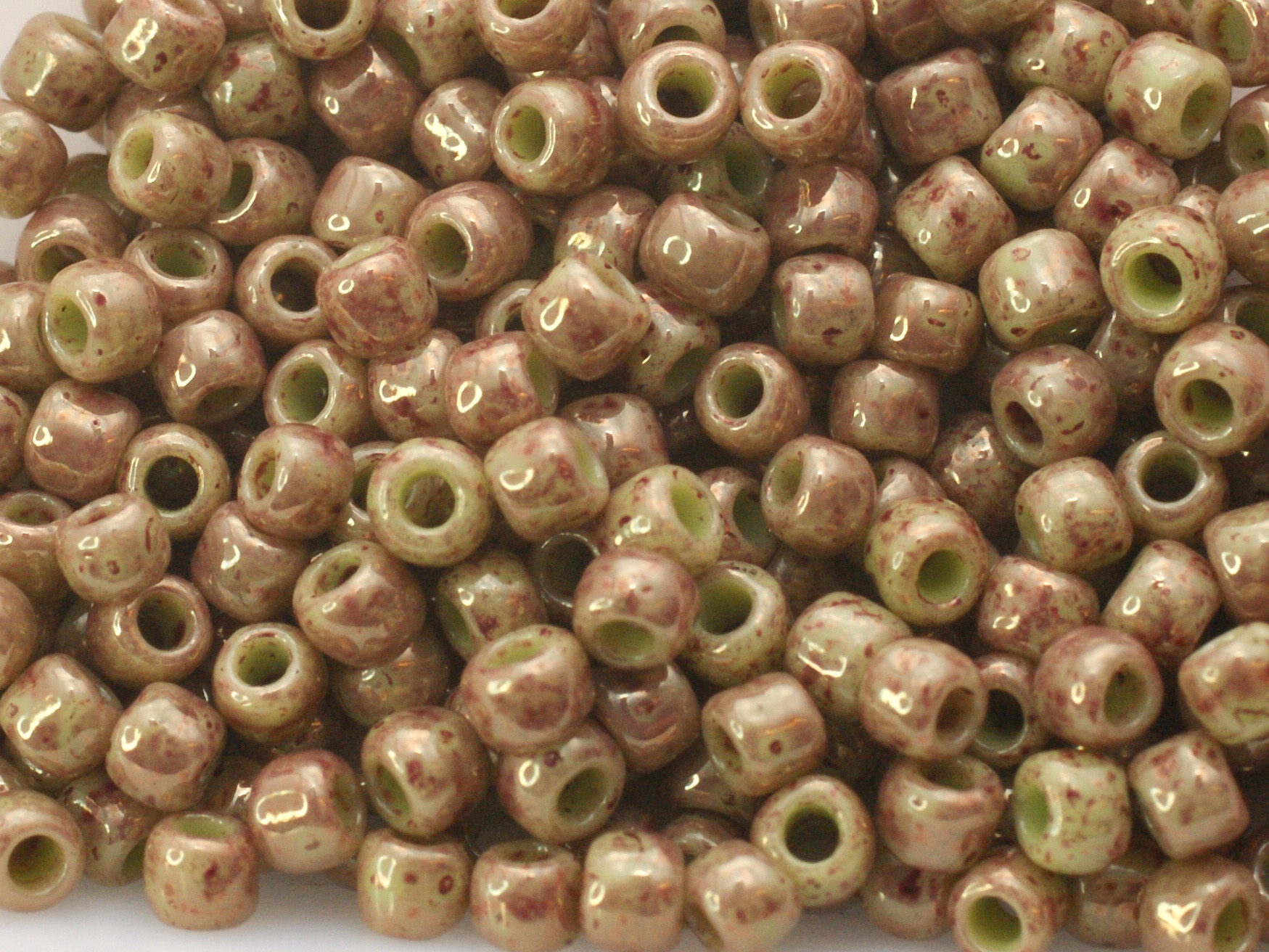 10 g 8/0 TOHO Seedbeads, Marbled Opaque Avocado/Pink